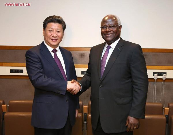 Xi says China to help Ebola-hit Sierra Leone with reconstruction