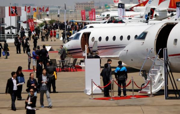 Wanted: 500,000 pilots for China aviation gold rush